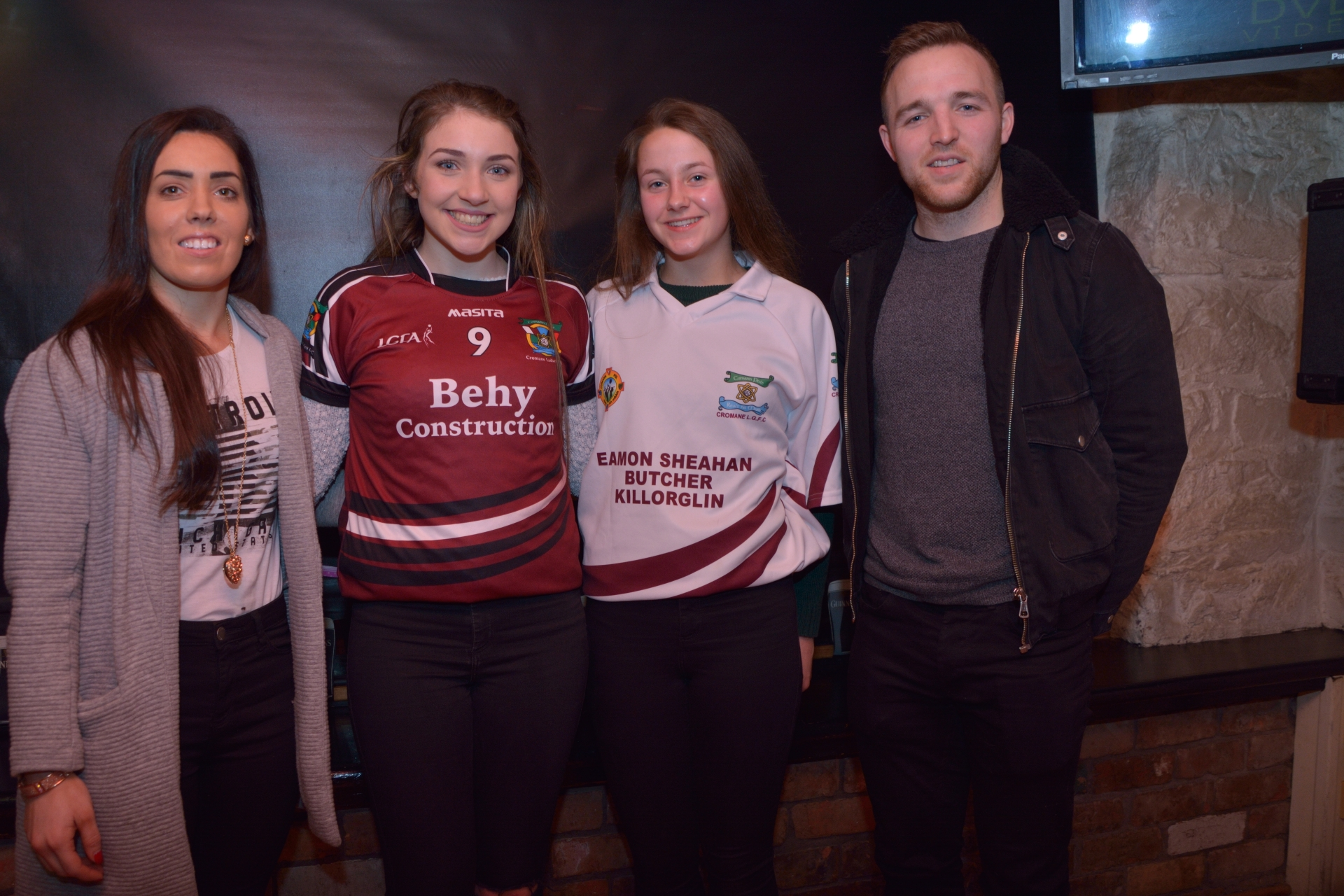 Sarah Houlihan with Joint Captains Cromane Ladies Under 15 County Champions Shannon Foley & Gillian O'Toole and Darran O'Sullivan
